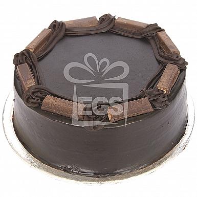 2Lbs Kit Kat Chocolate Cake - Tehzeeb Bakers