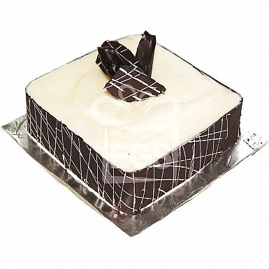 2Lbs White Chocolate Fudge Cake - Falettis Hotel