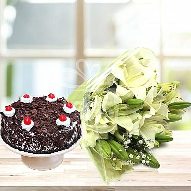 Lilies Blush With 4lbs Cake