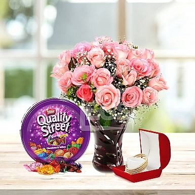 Pink Delight Gift