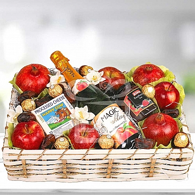 The fruits and Cheese Hamper